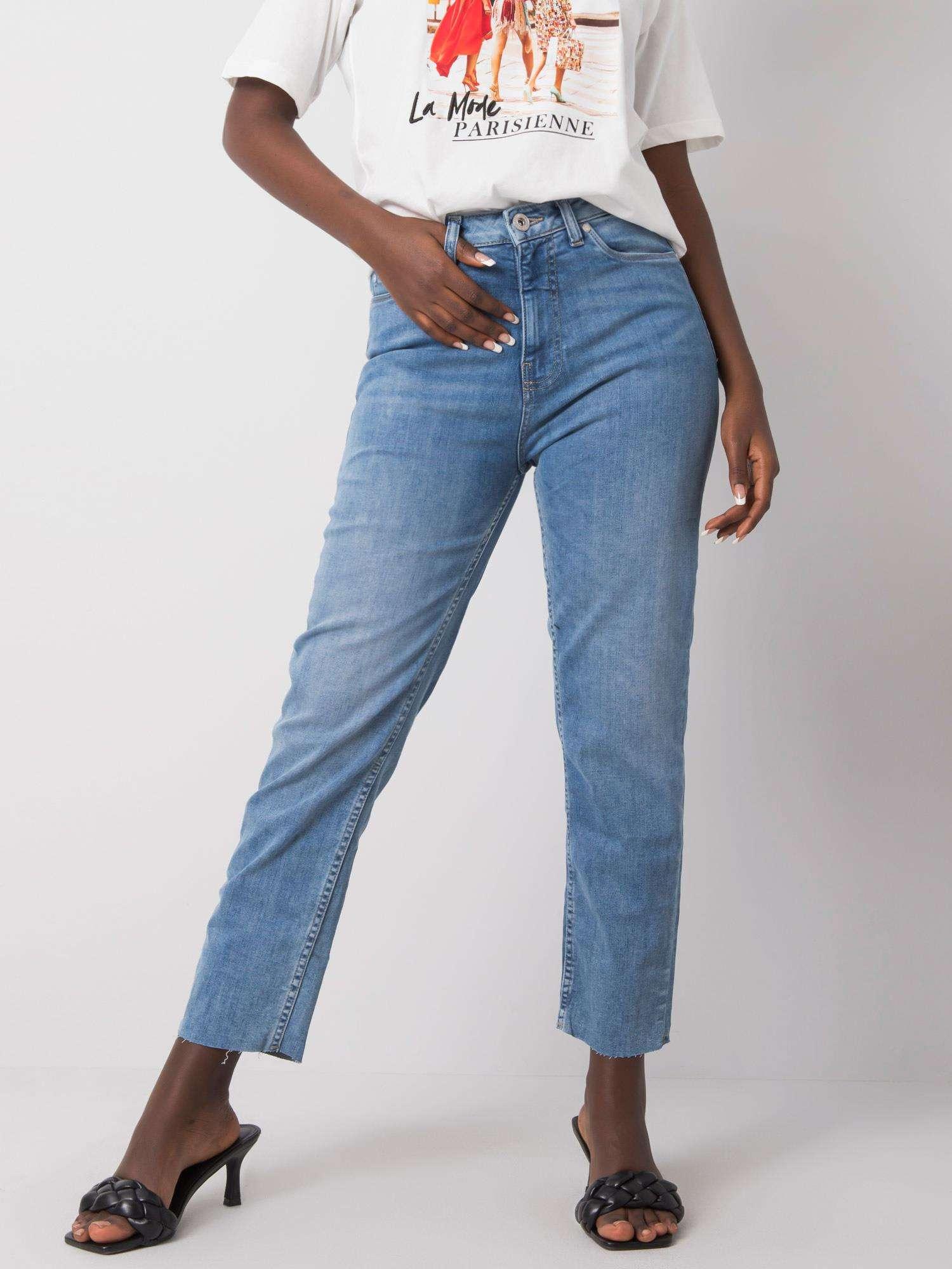 Jeans in Hellblau Vorderansicht