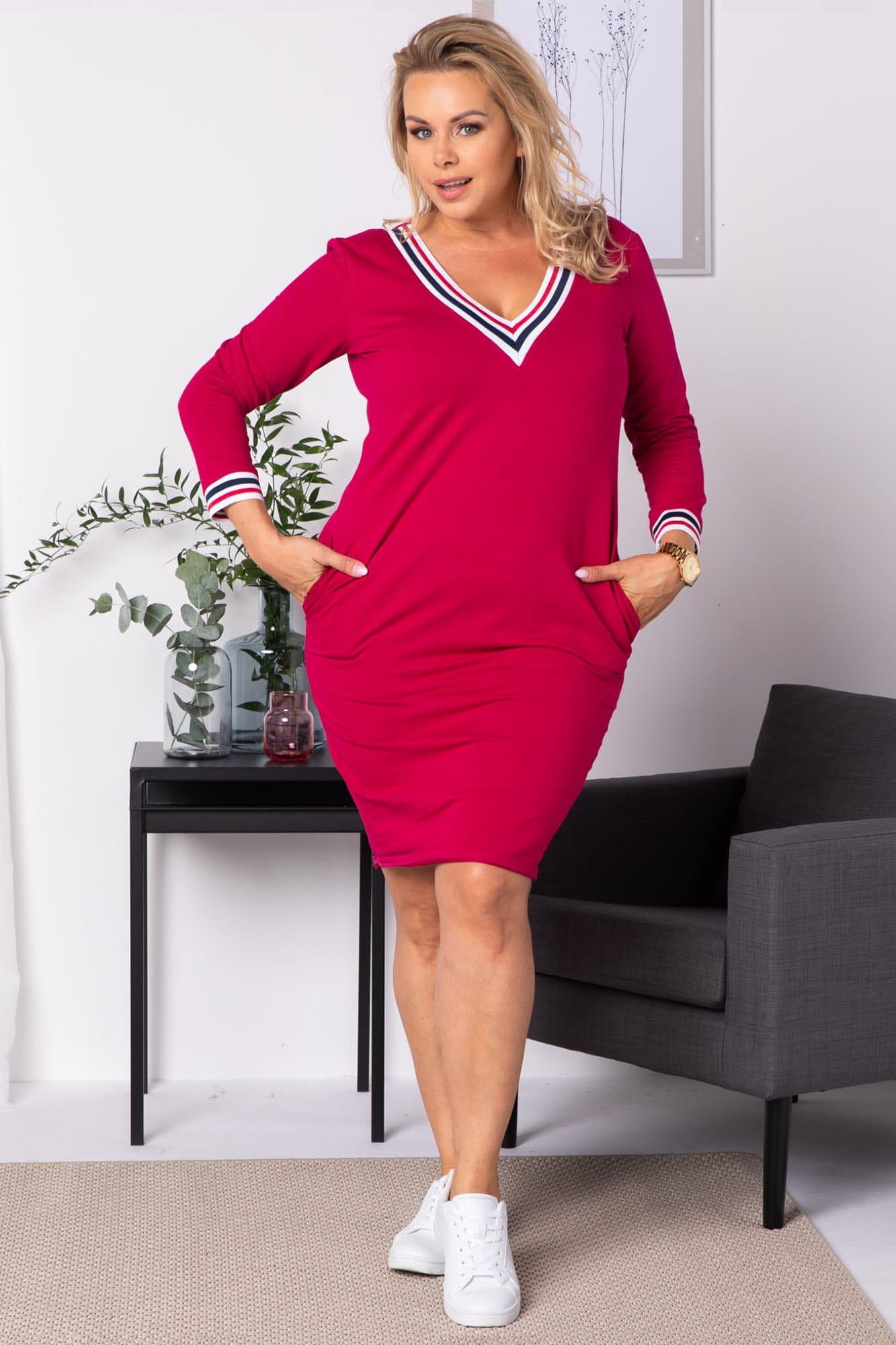 Kleid mit V-Ausschnitt in Pink Komplettansicht