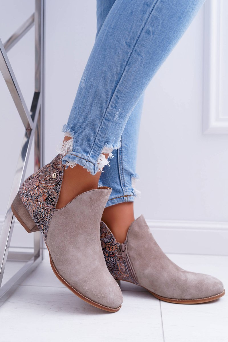 Ankle Boots in Beige mit Cutouts