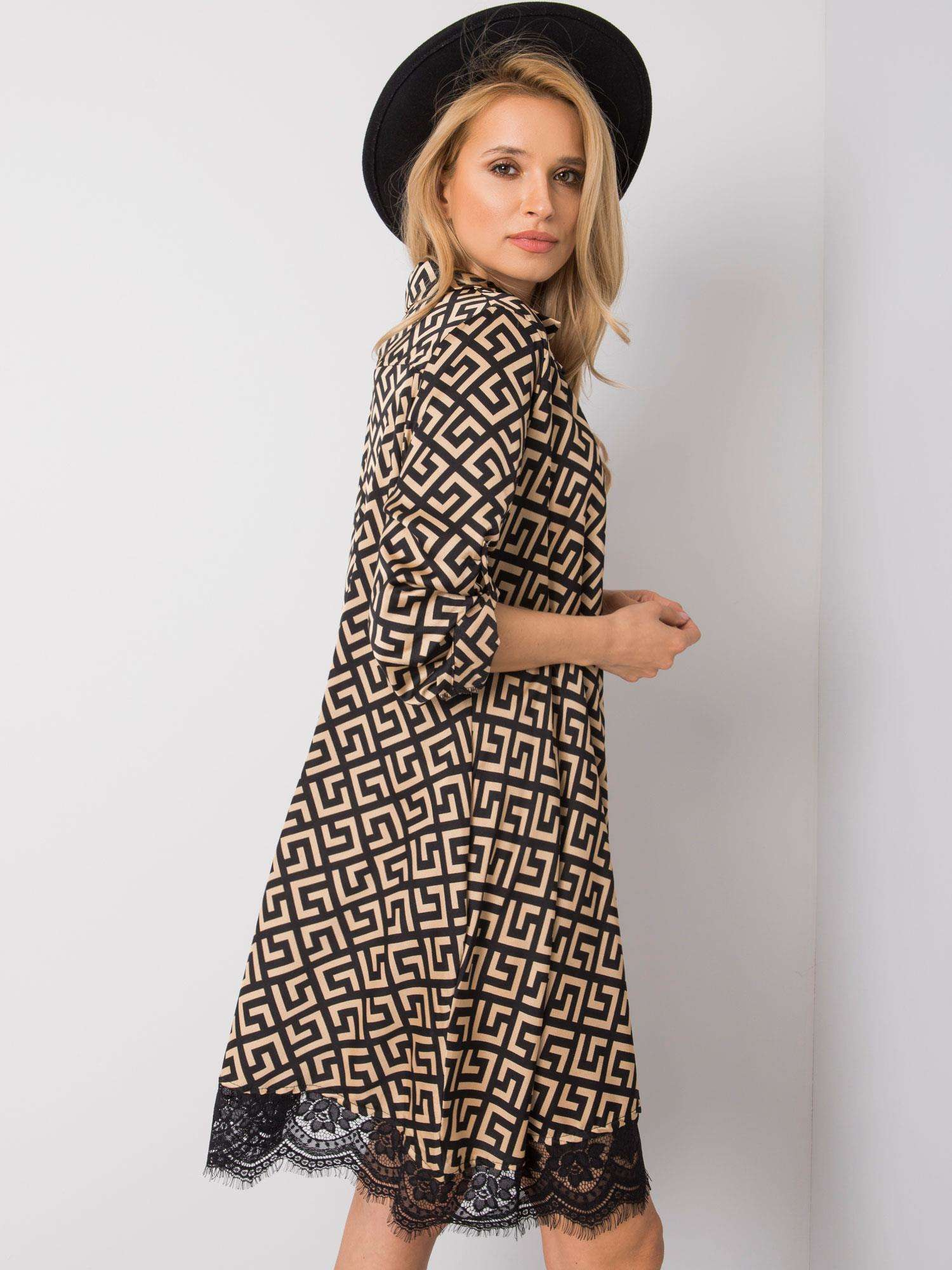 Kleid in beige-schwarz mit Spitze Seitenansicht