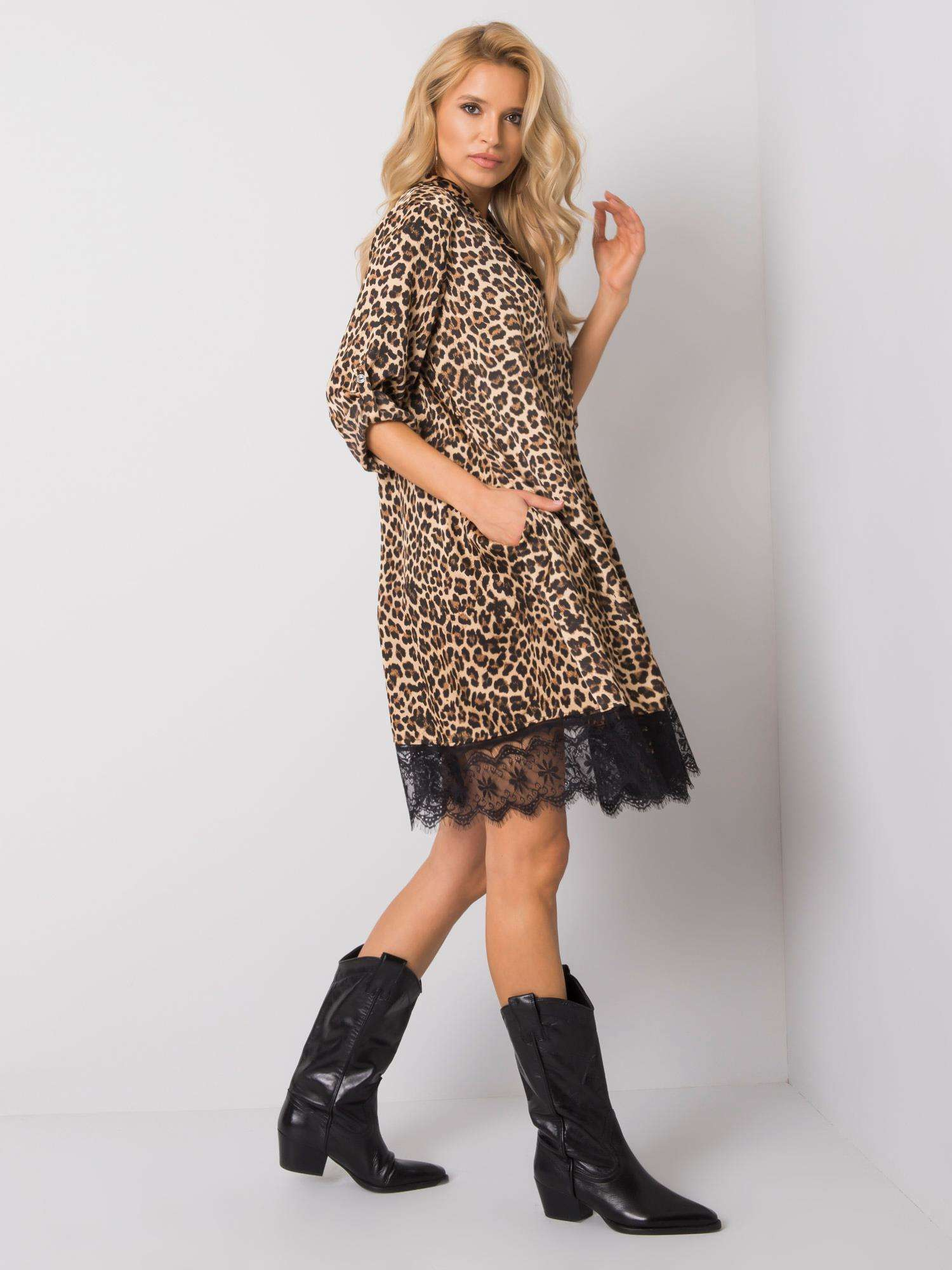 Kurzes Kleid mit Leoprint Seitenansicht