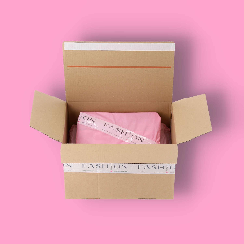 Fashionwacky Überraschungsbox mit Bekleidung offene Ansicht