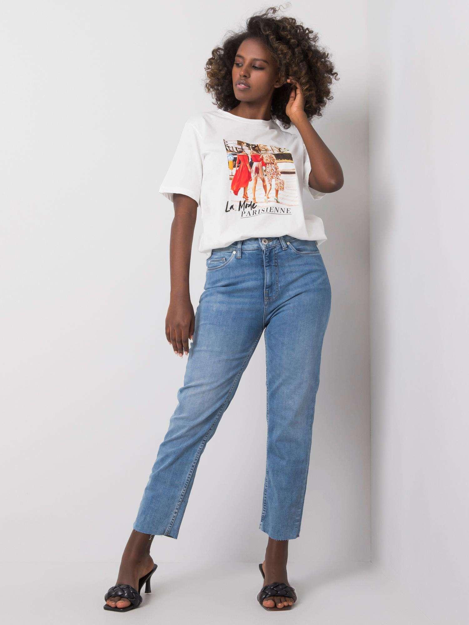 Jeans in Hellblau Komplettansicht