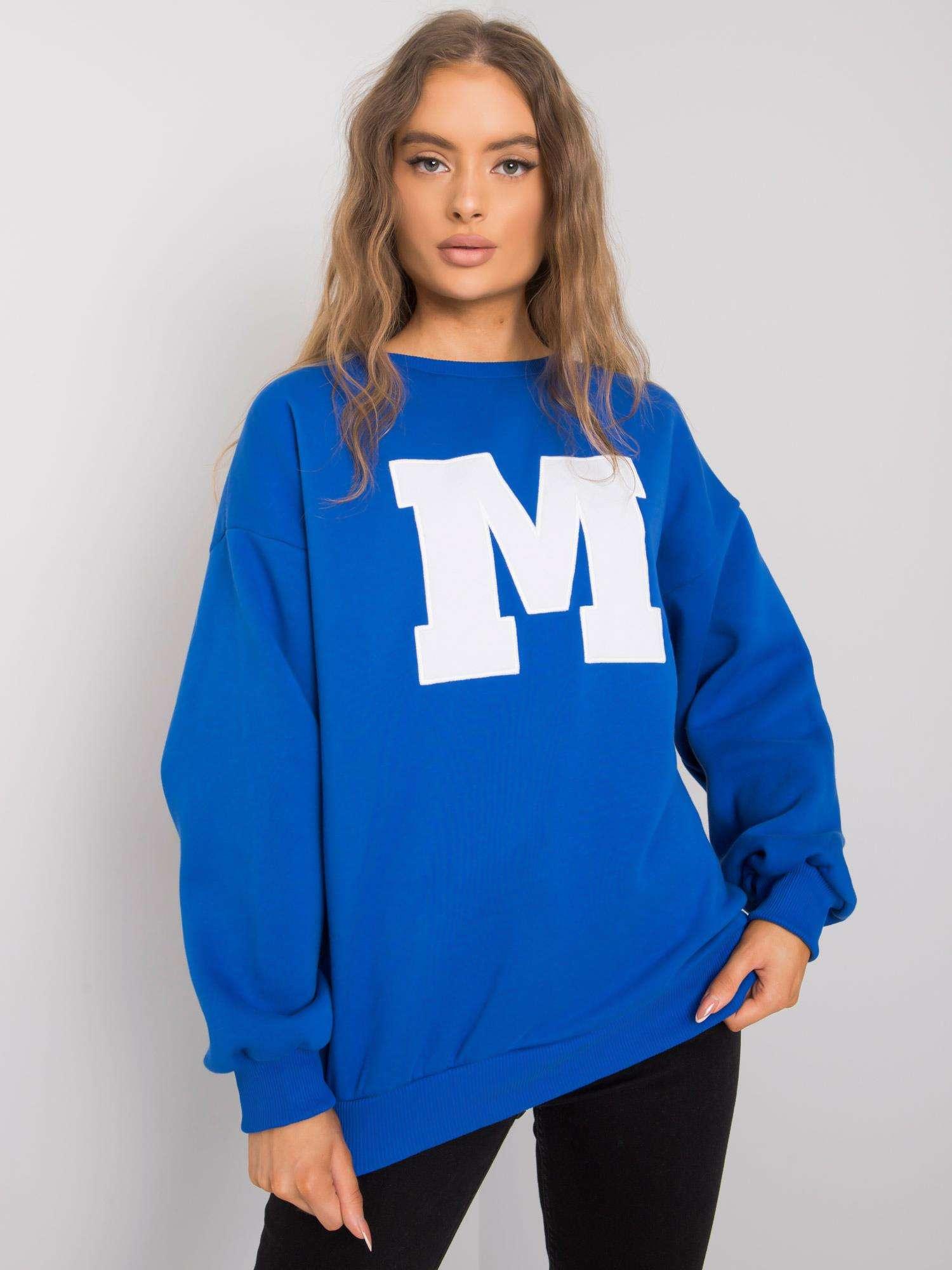 Sweatshirt in Azurblau mit großem Frontpatch Vorderansicht