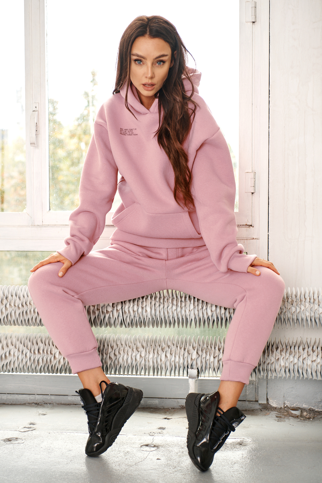 Hoodie mit Statement Print in Powder Pink