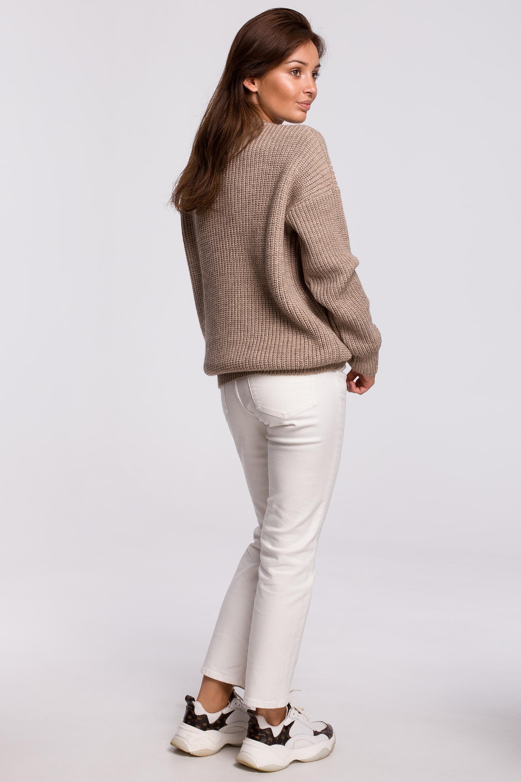 Sweater in Cappuccino Rückansicht komplett
