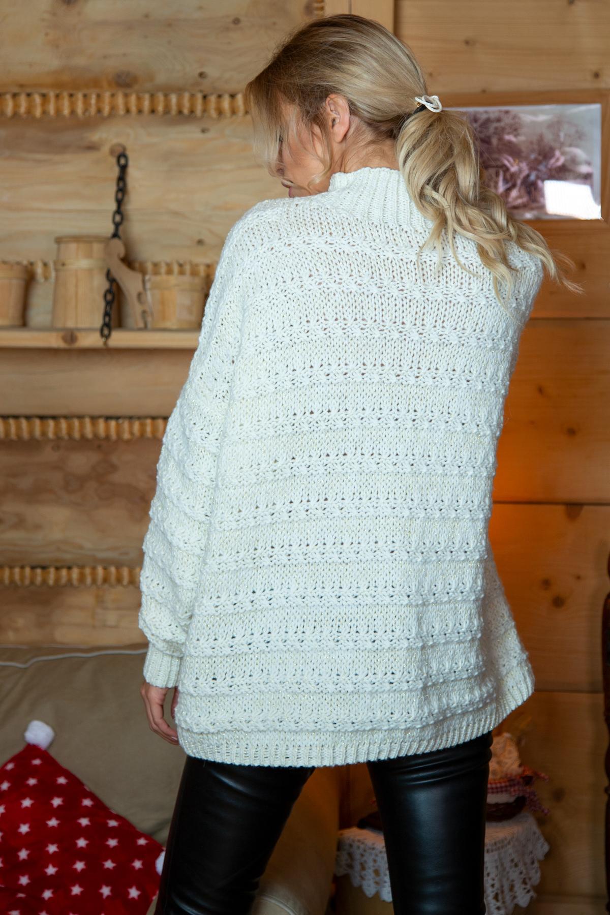 Sweater mit Stehkragen in Ecru Rückansicht