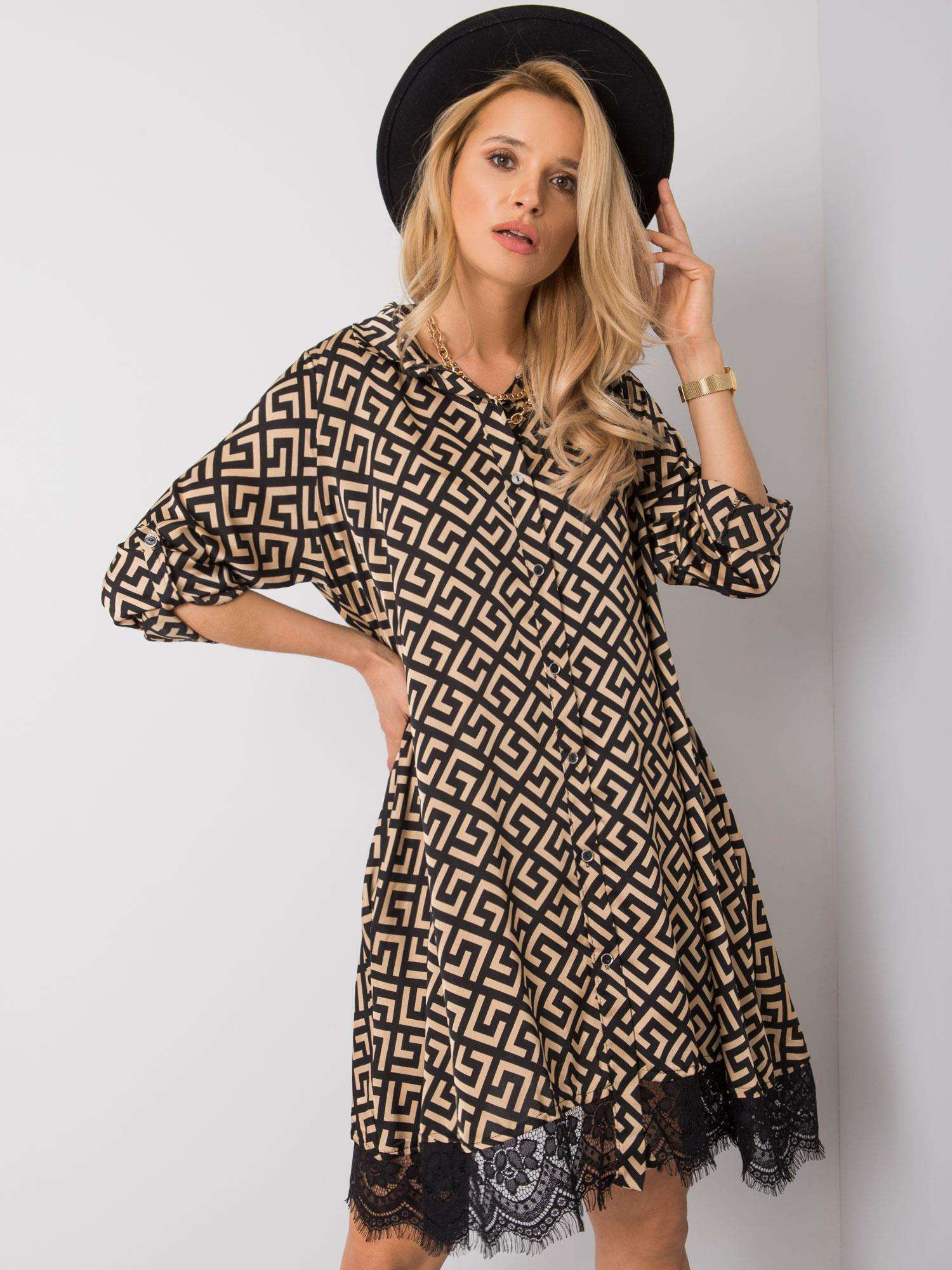 Kleid in beige-schwarz mit Spitze Komplettansicht