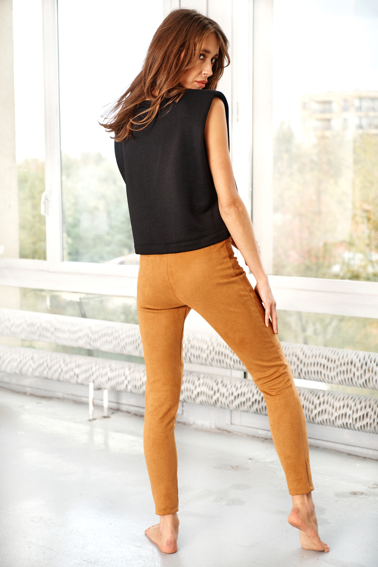 Camelfarbene Leggings in Wildlederoptik