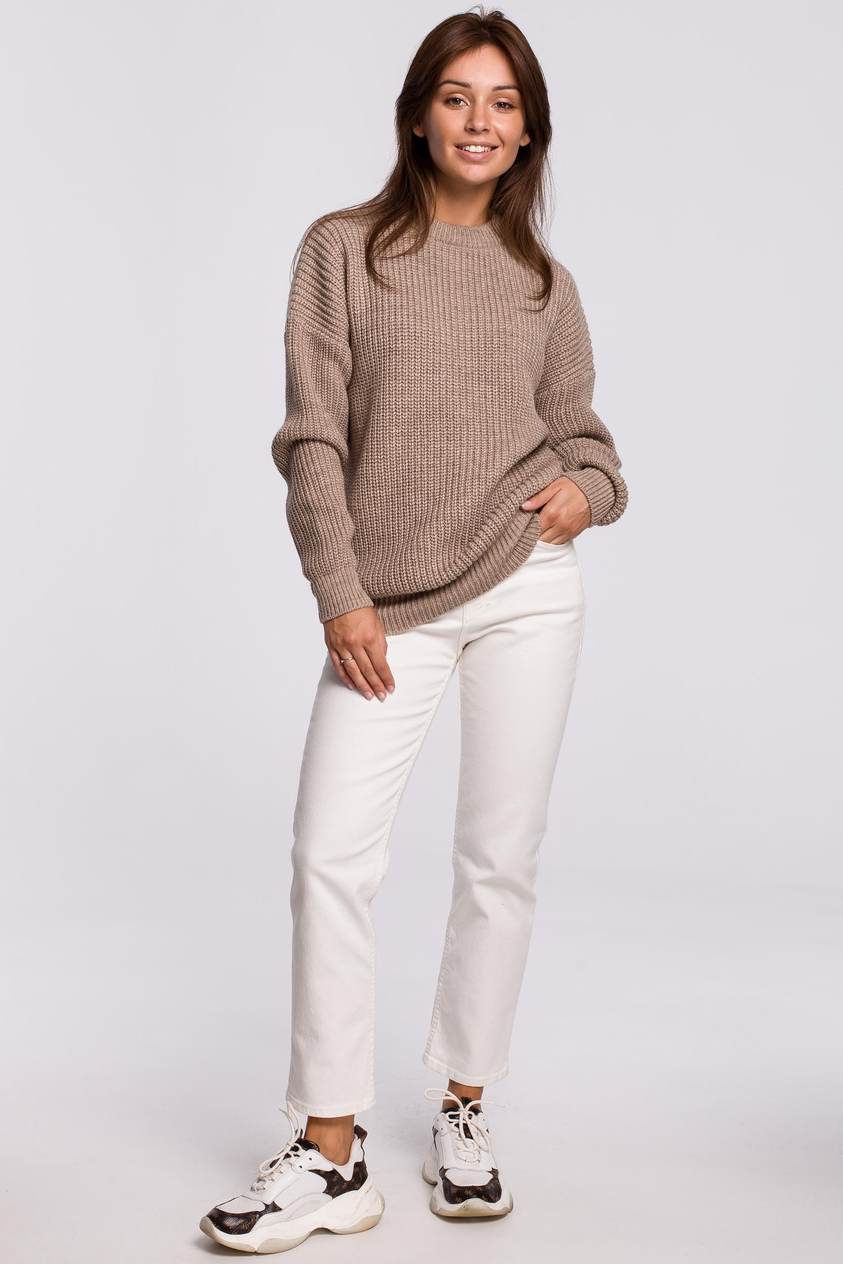 Sweater in Cappuccino Vorderansicht komplett