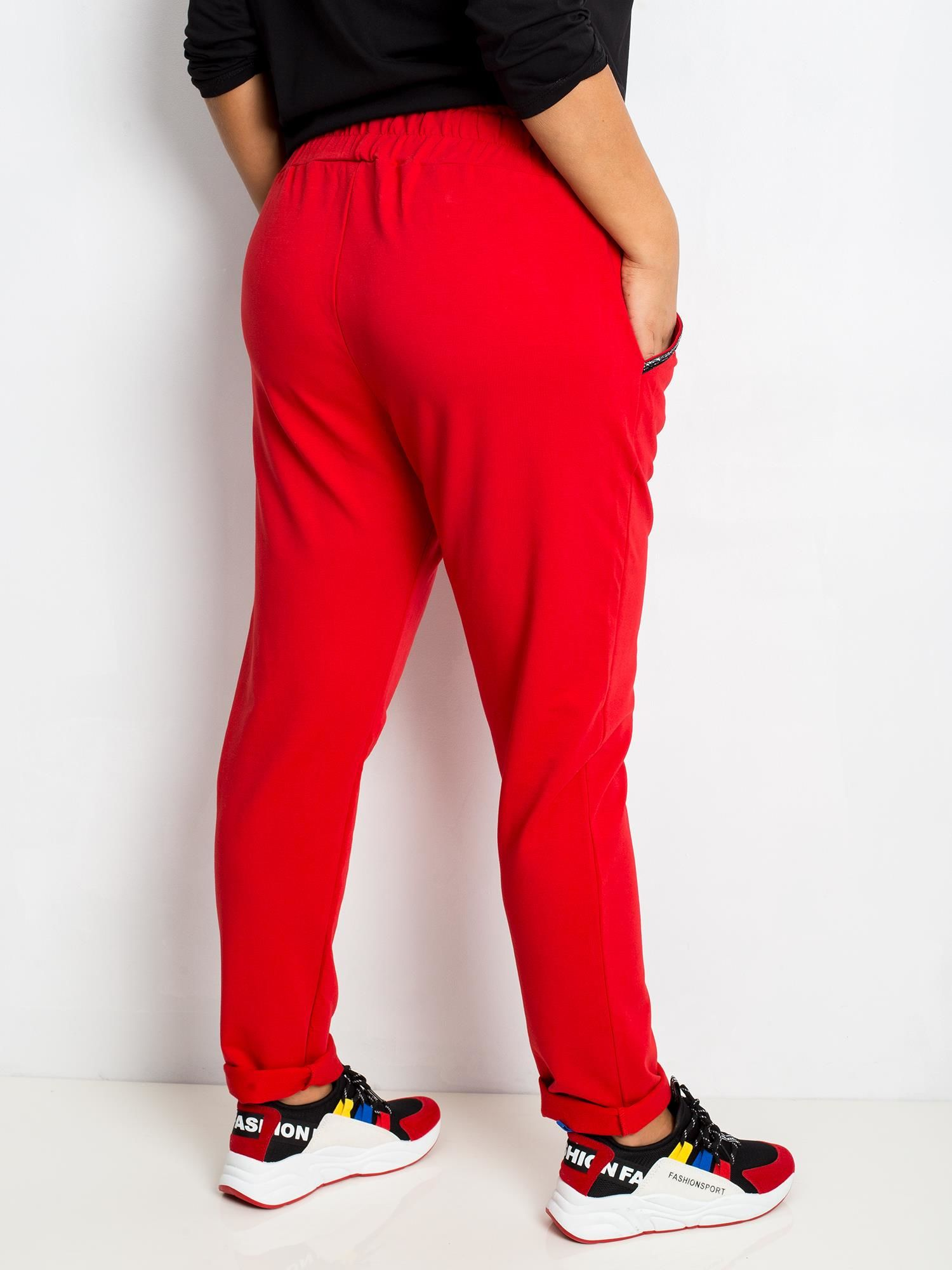 Joggpants in Rot mit Glitzerstreifen Rückansicht