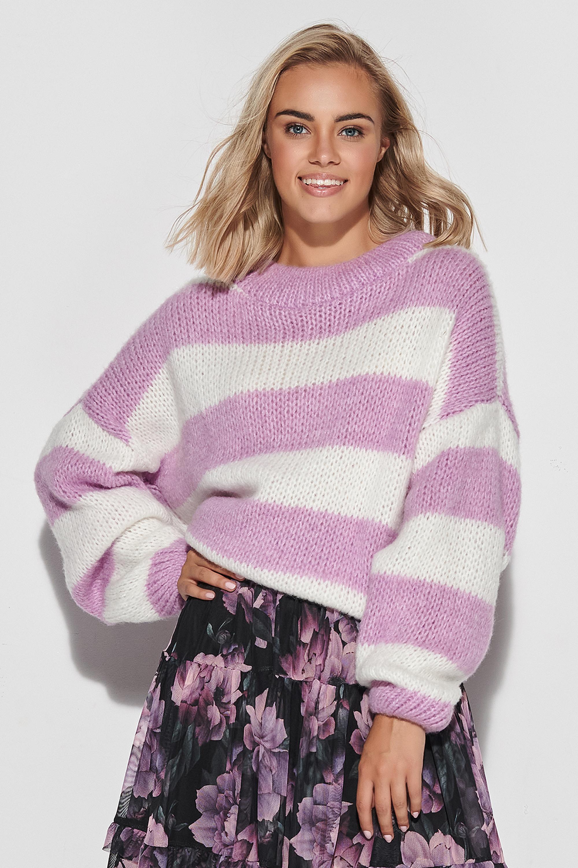 Sweater in Ecru-Weiß mit Lila gestreift Vorderansicht