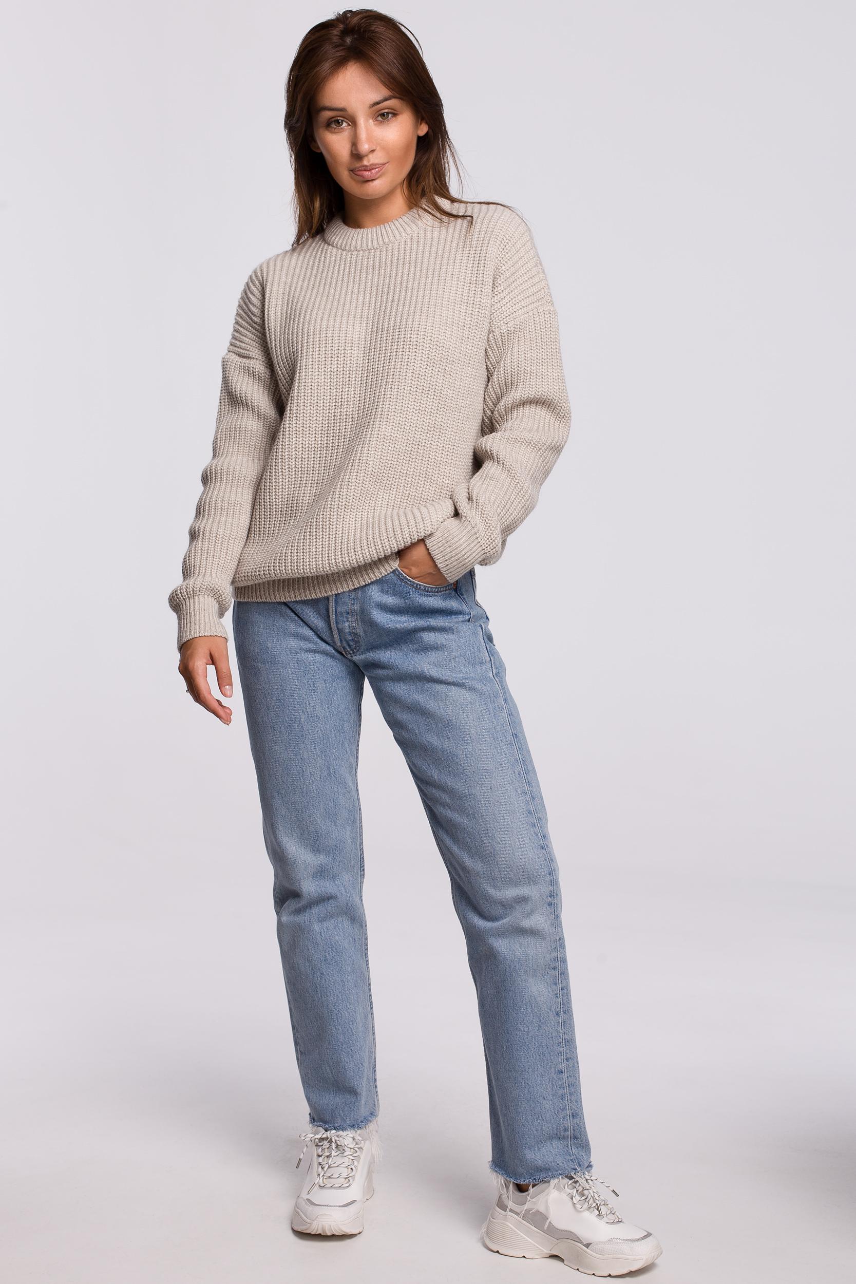Sweater in Beige Vorderansicht komplett