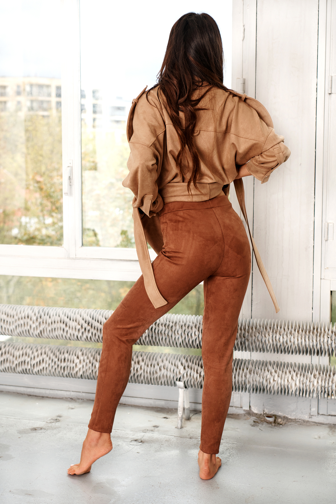 Chocolatfarbene Leggings in Wildlederoptik