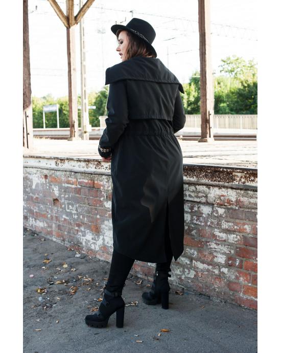 Mantel in Schwarz Rückansicht