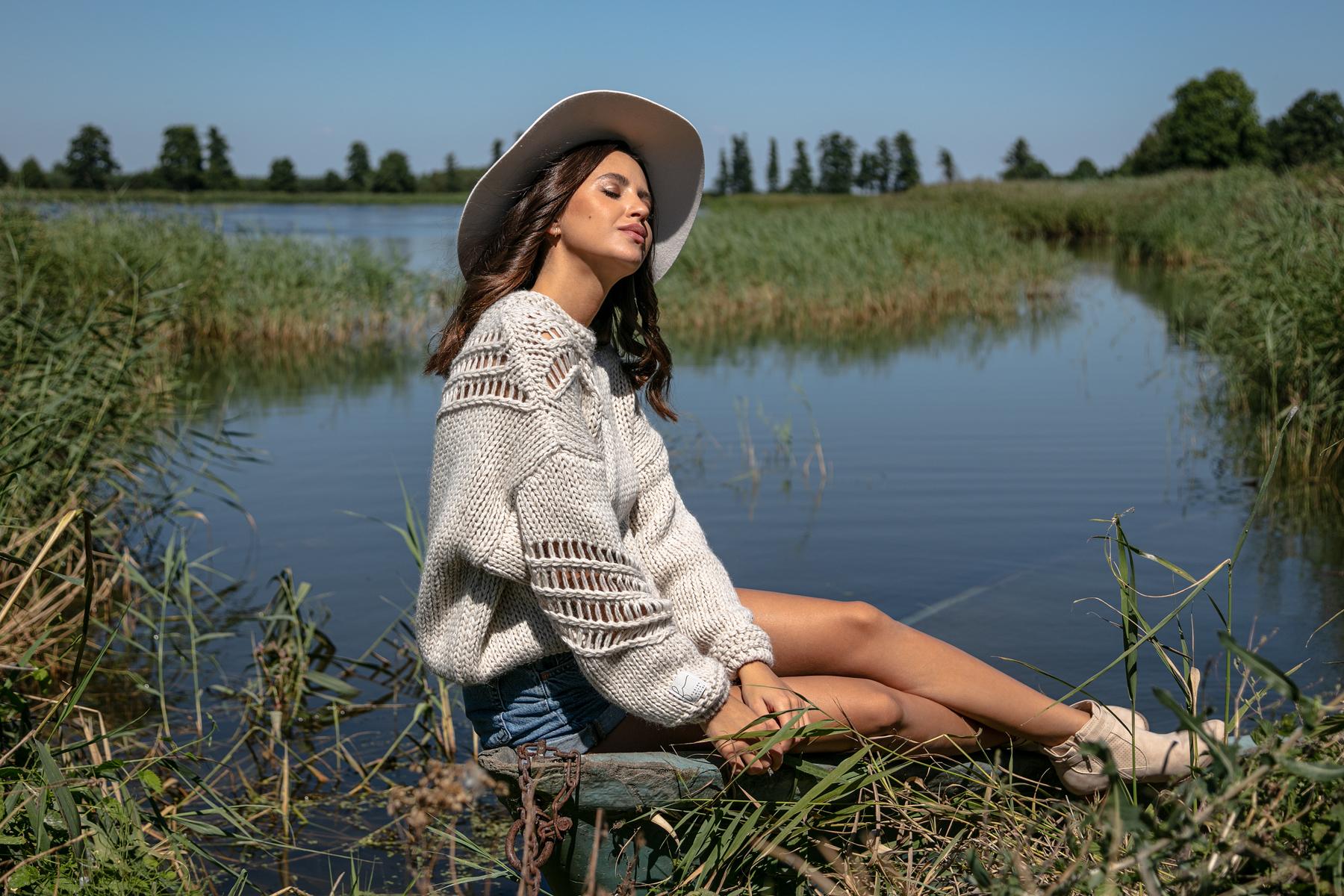 Sweater in Beige